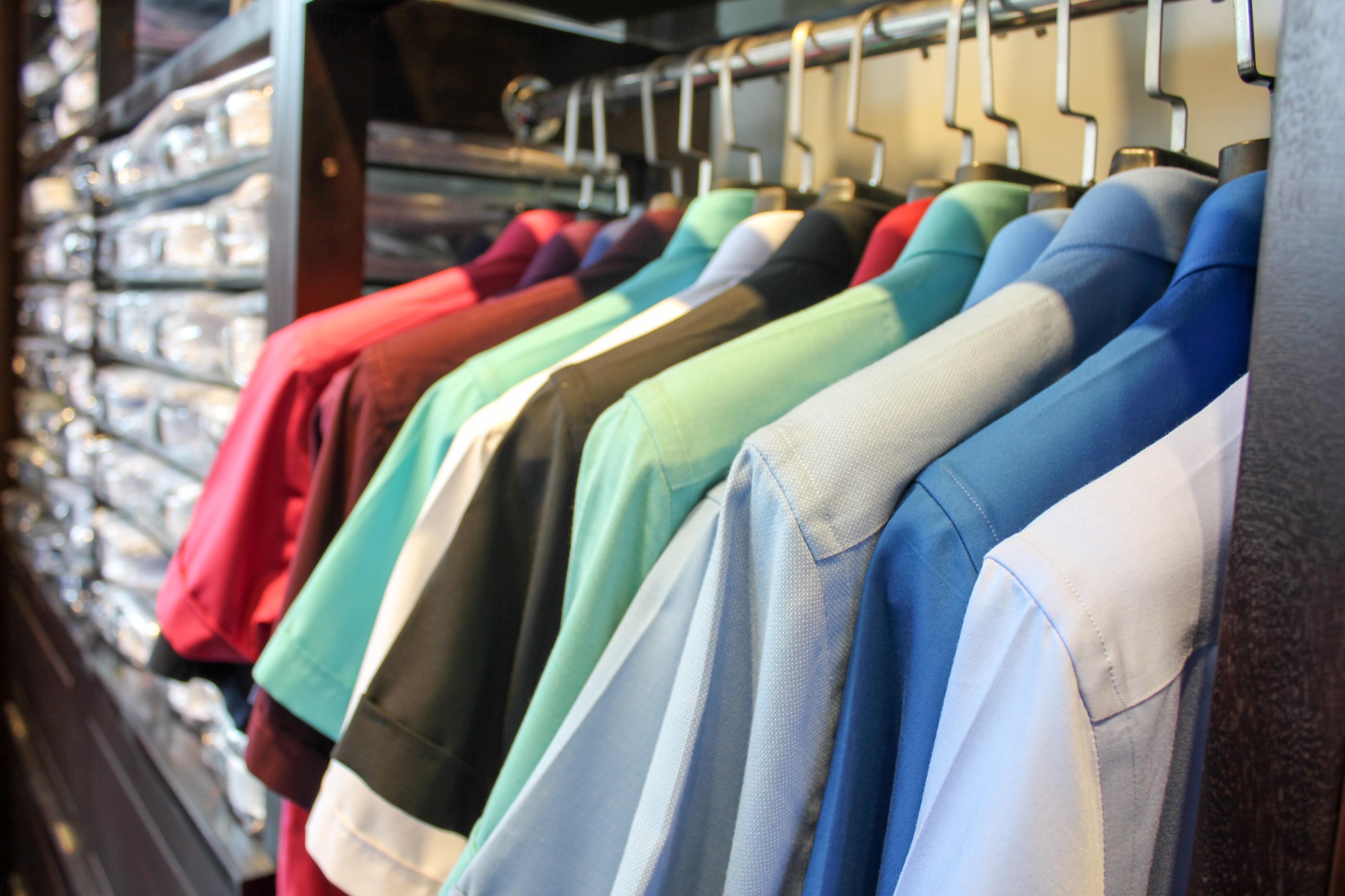 Không nên giặt áo sơ mi quá nhiều vì có thể gây mất form áo