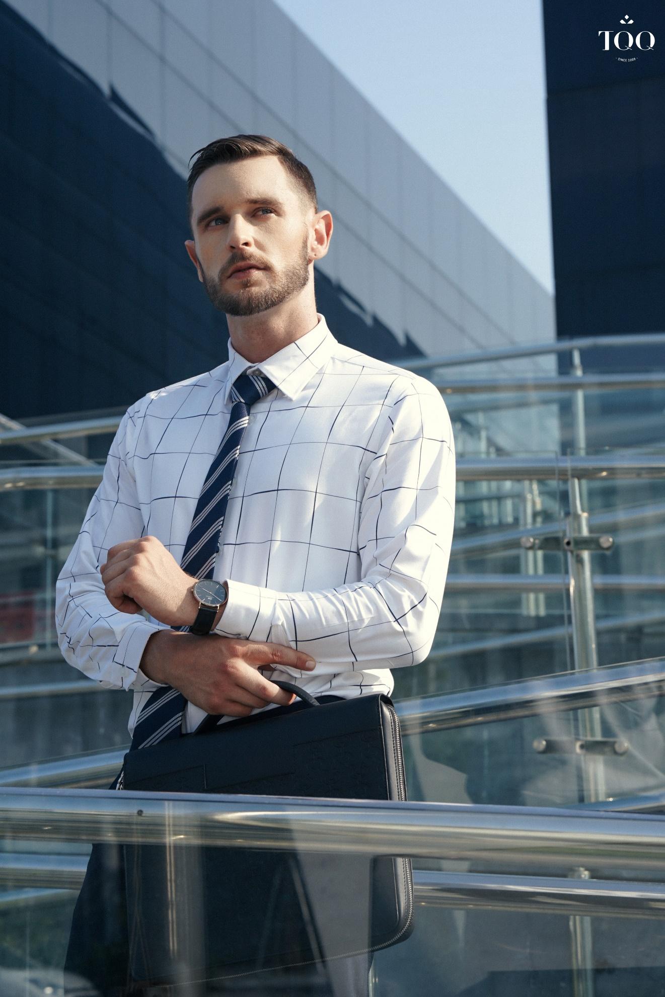 Sơ mi trắng - Lựa chọn hoàn hảo để mặc chung với quần âu