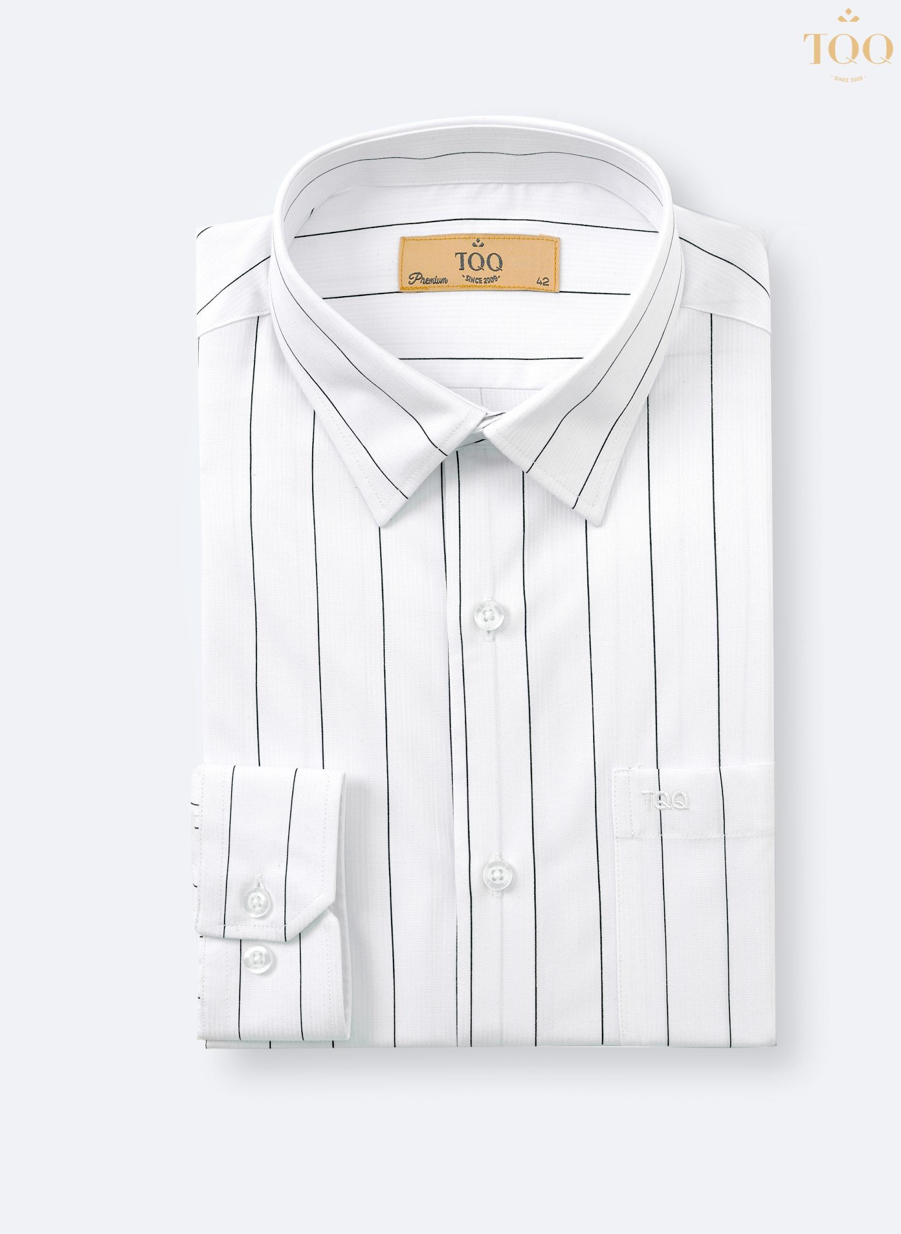 Tùy theo vóc dáng để chọn đúng mẫu áo sơ mi trắng họa tiết cho nam giới
