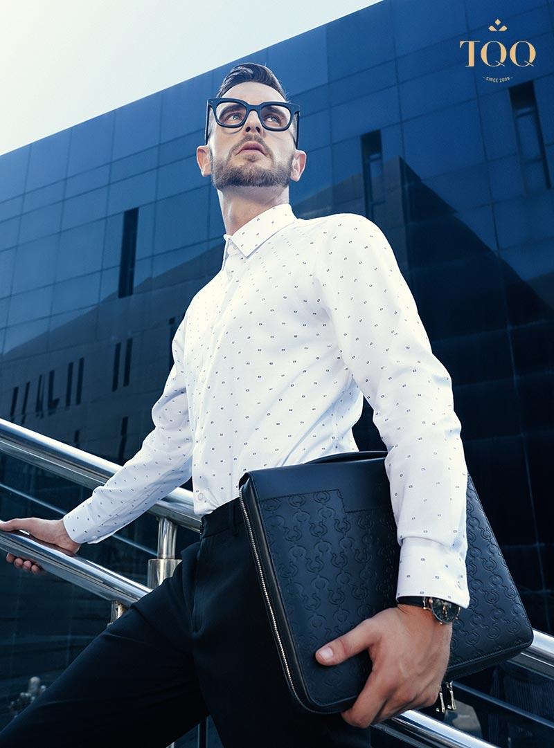 Lựa chọn quần âu sẽ phù hợp nhất cho nam giới trung niên mặc áo sơ mi