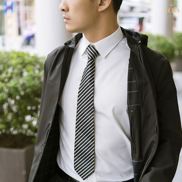 sử dụng cà vạt tone sur tone khi phối áo khoác với áo sơ mi nam