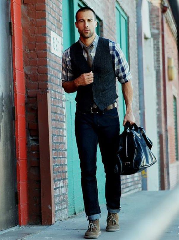 Sơ mi nam kết hợp với áo gile đem đến cho nam giới sự ấn tượng, trẻ trung nhưng lịch thiệp