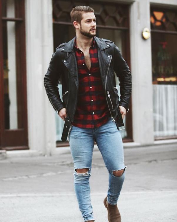 Phối đồ áo sơ mi đỏ nam với áo khoác da