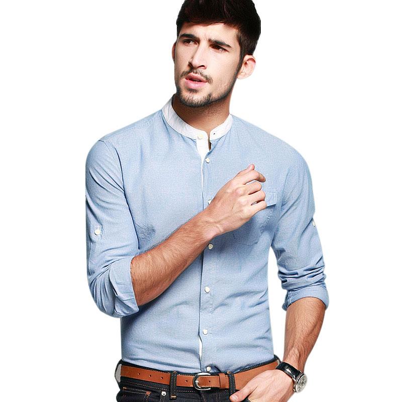 Chọn áo sơ mi trơn hoặc sơ mi họa tiết nhỏ khi kết hợp cùng quần Jeans đóng thùng