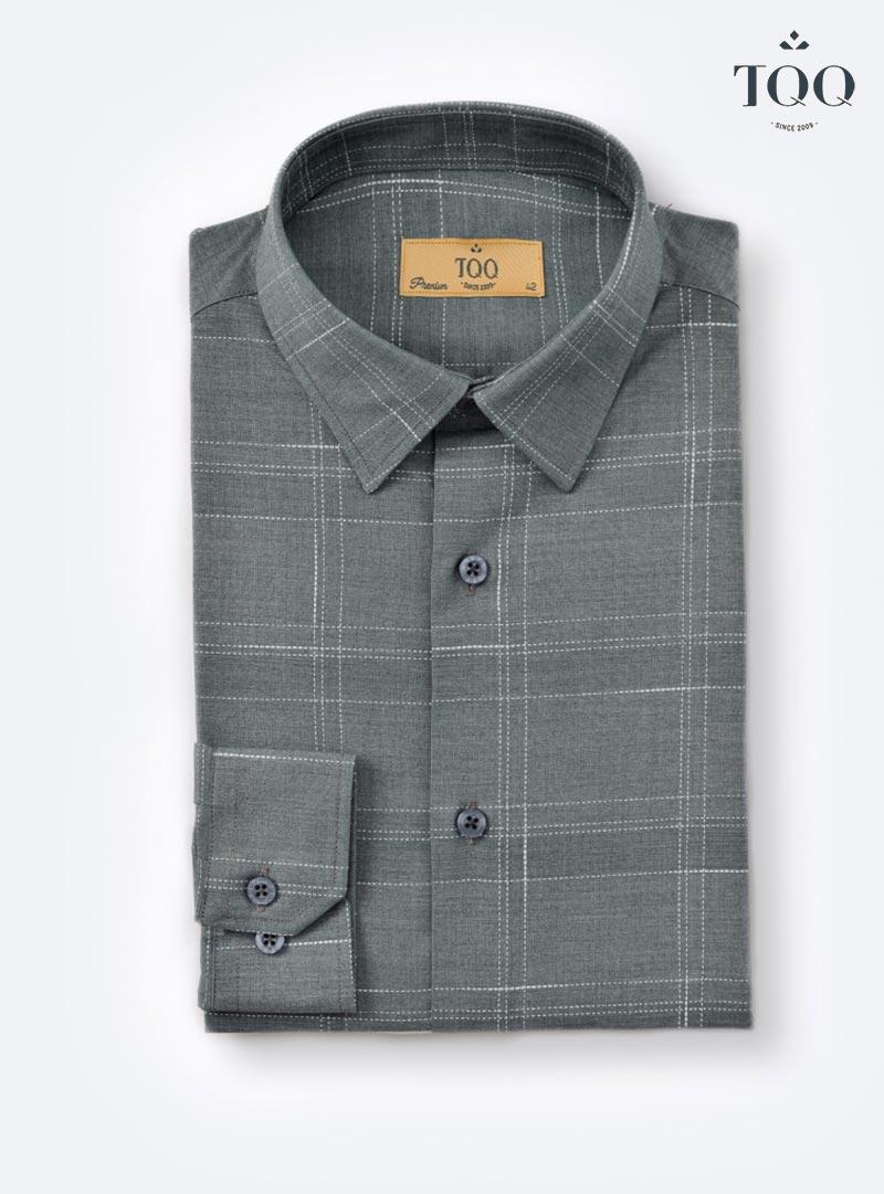 Mẫu áo sơ mi nam màu xám K379CS với các đường kẻ nét đứt đan xen