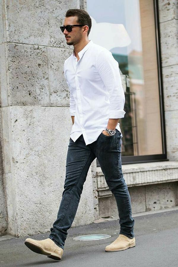 mặc sơ mi trắng basic cùng quần jeans tối màu