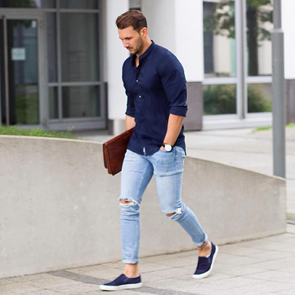 Phối áo sơ mi tay dài màu xanh navy ôm nhẹ