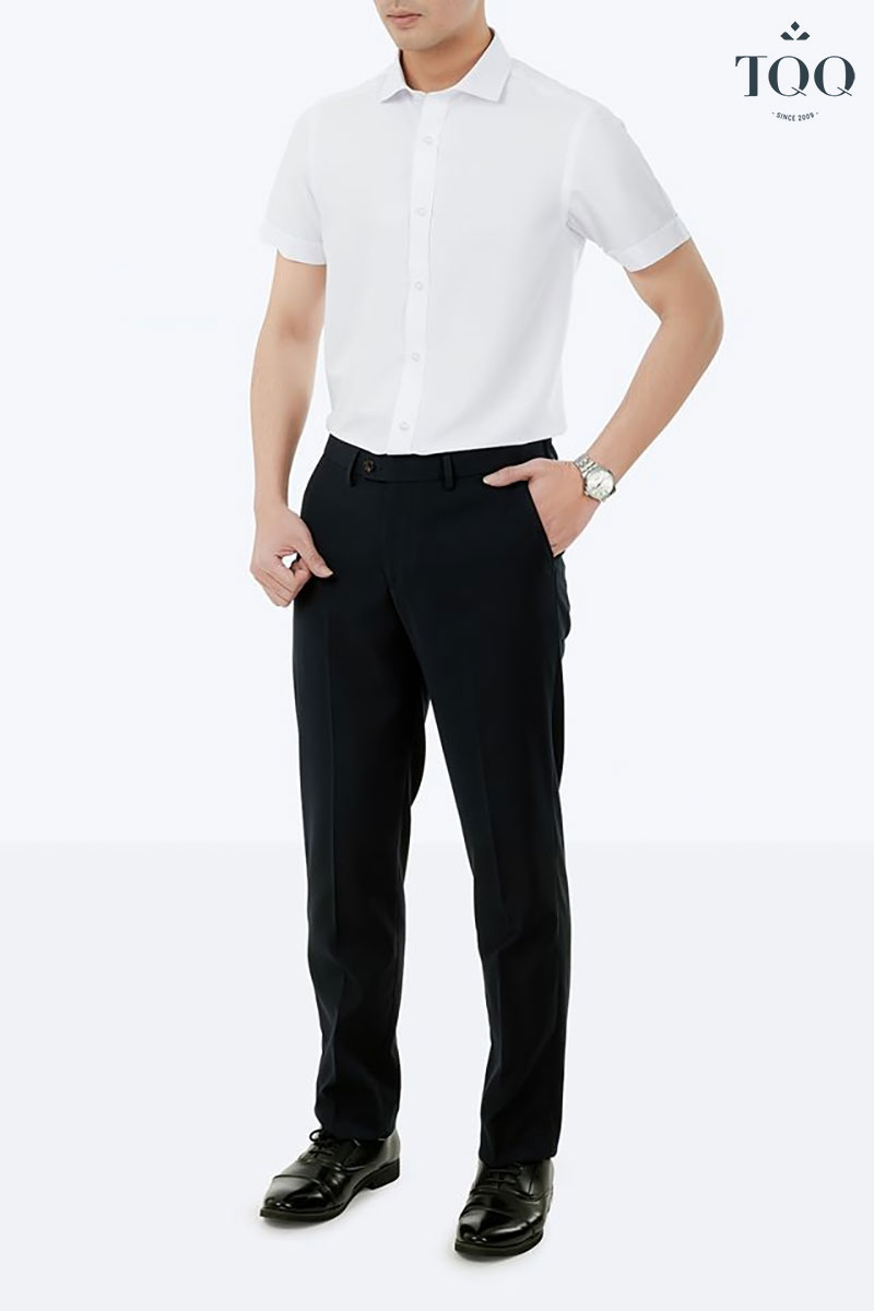 Giày tây luôn là sự lựa chọn hàng đầu với combo sơ mi trắng - quần Âu nam