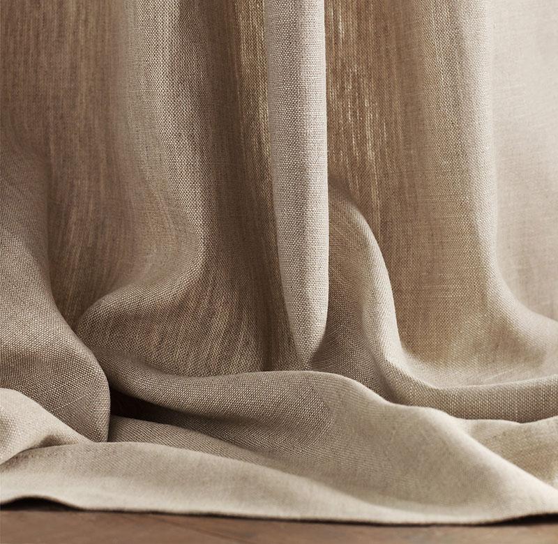 Vải lanh là loại vải mảnh, nhẹ được dệt từ sợi trong thân cây lanh