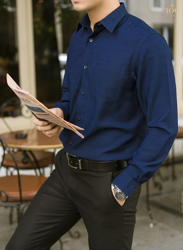 Mẫu áo sơ mi này là sự lựa chọn hoàn hảo dành cho quý ông công sở