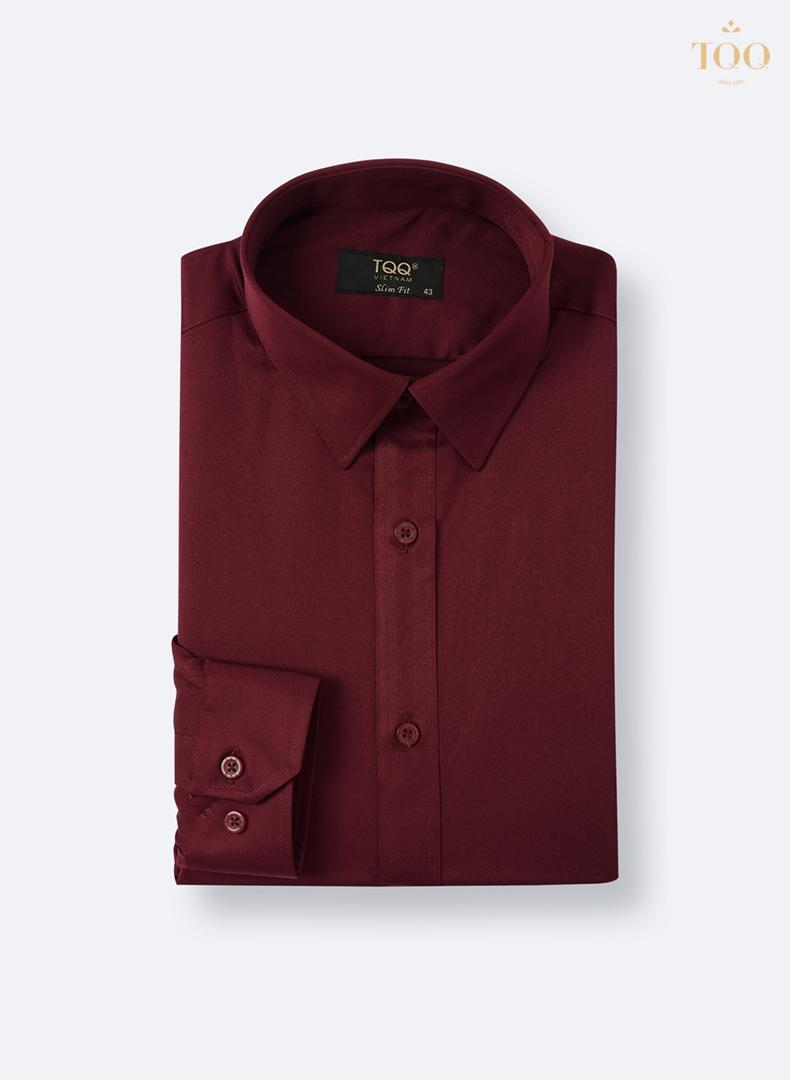 Mẫu áo sơ mi màu đỏ trơn M78CS mang tới cho quý ông sự lôi cuốn, mạnh mẽ và lịch lãm