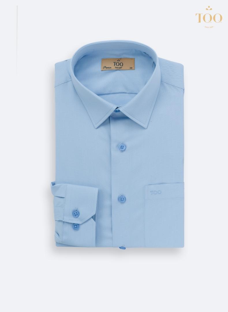 Mẫu áo sơ mi nam màu xanh trơn nhẹ nhàng M65CS