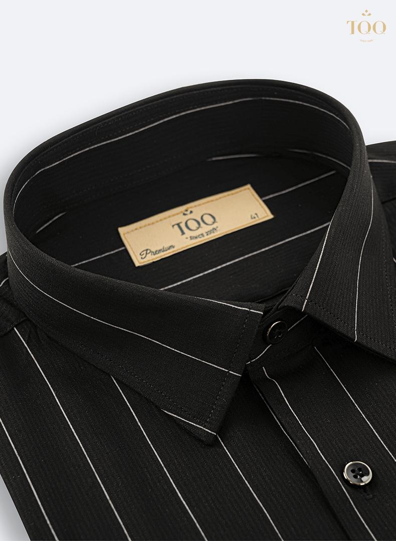 Áo sơ mi màu đen được đánh giá phù hợp với bất cứ ai