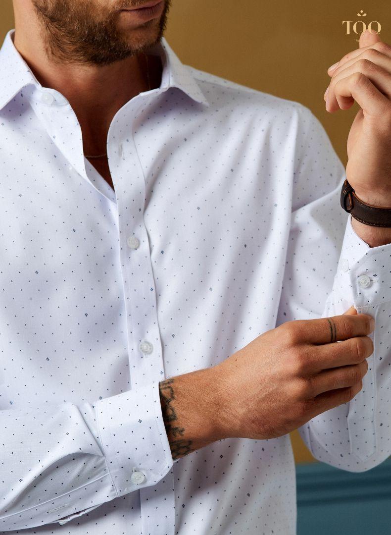 áo sơ mi trắng họa tiết chữ V đen H236