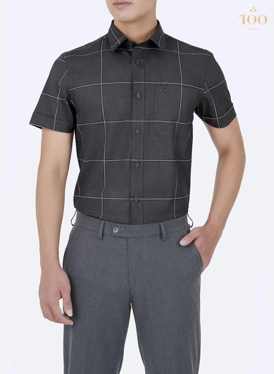 Phối áo sơ mi và quần nam cùng màu